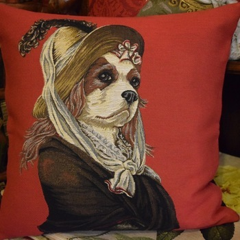 """""""Madame King Charles, rouge""""  Tapisserie Belge coussin"""
