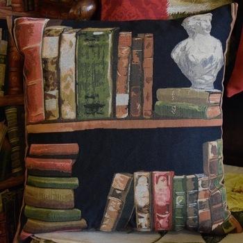 """""""Boeken & dame""""   Belgische tapisserie kussen"""