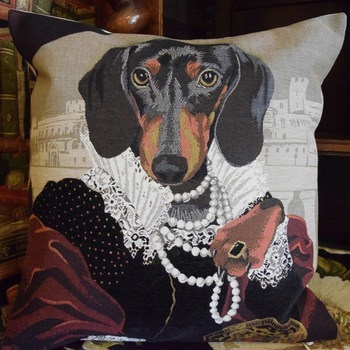 """Madame teckel""   Tapisserie Belge coussin"