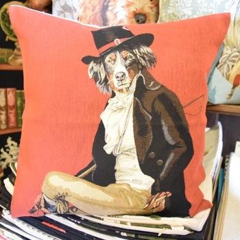 """Berner Sennenhond dressed up"" (Rood) Belgische tapisserie kussen"