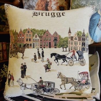 """Bruges avec le chariot """"Tapisserie Belge coussin"""""""