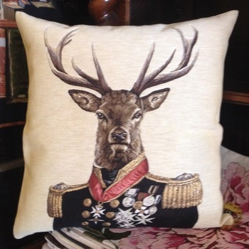 """Stage general (beige)"" Belgium Tapestry cushion"
