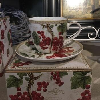 Winter berries cup & plate 200ML