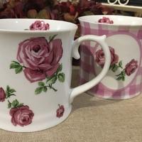 2 mugs Roses