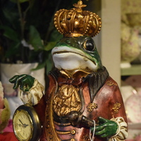 Interior decoration frog with clock - Huis de zomer- Bruges