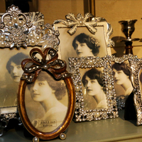 Interior decoration photoframes vintage- Huis de zomer- Bruges